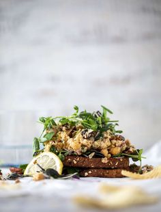 Smashed Chickpea Salad - How To Make Smashed Chickpea Salad Chickpea Tuna, Vegetarian Sandwiches, Make Ahead Lunches, Dried Cherries, Canned Chickpeas, Love Eat, Plain Greek Yogurt, Bean Recipes, Fresh Lemon Juice