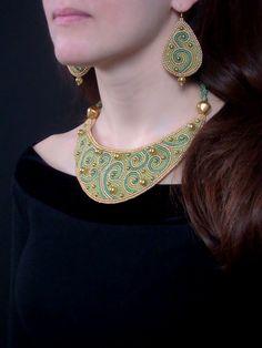 Beaded  Beadwork Bead Embroidered Necklace OLIVIYA por ODesing, $155.00