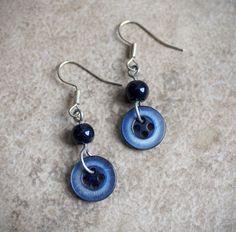 Boucles d'oreilles  boutons vintage recyclés par CreationsNairaEiro