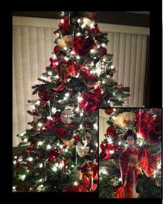 Asian Themed Christmas Tree Using Geisha Dolls Fans And Lanterns