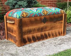 Barnwood Hope Truhe - Spielzeugkiste - E. - Home Decor Wholesalers Entryway Bench Storage, Wood Storage Box, Bench With Storage, Diy Storage, Storage Chest, Toy Box Seat, Toy Boxes, Cedar Chest Redo, Picture Wall Living Room
