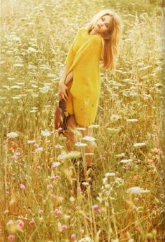 love fashion photos in fields