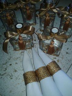 Casamento de Paula Brígido. Porta guardanapos e decoração para banheiros feita por Rosa Sensoli Design por Jessica Melo.