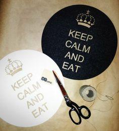 KEEP CALM (2 białe   2 czarne) (proj. CGhome), do kupienia w DecoBazaar.com http://www.decobazaar.com/produkt-keep-calm-2-biale-2-czarne-3954831.html