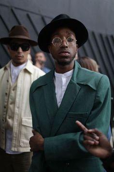 コートの襟元がオシャレです