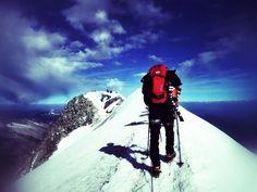 Zwei Tage solltem man sich für die Besteigung mit Abstieg Zeit nehmen – machbar ist es allerdings auch in einem Tag. Technisch nicht schwier...