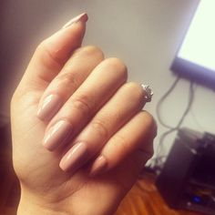 Natural Nude nails by @makeupmodavida coffin nails