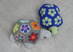 U MARIE : Želvy      Z motivků africké kytky jsem uháčkovala...