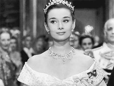 Roman Holiday with Audrey Hepburn, This is one of Hollywood's most sweetly romantic films — a frothy, modern telling of the Cinderella story, in reverse.~ VoyageVisuelle ✿⊱╮