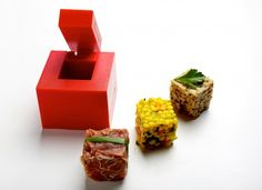 Rice cube - The Rice Cube kitchenware gadget lets you serve the perfect sized amount of rice without all the effort and mess. Cube Recipe, Kitchenware, Sushi, Food And Drink, Gadgets, Rice, Organized Pantry, Recipes, Cubes