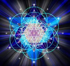 La geometría sagrada puede parecer algo esotérica, pero una comprensión básica de la geometría universal puede llevarnos a ver la vida bajo un nuevo enfoque, Sacred Geometry Art, Chandelier, Ceiling Lights, Decor, Iglesias, Rey, Geometric Fashion, Flower Of Life, Sacred Geometry