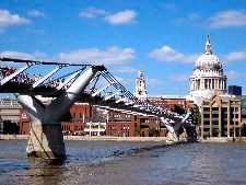 Rick Steves: A Cheap Day Out in #London  #travel #traveltip #travelonabudget #cheaptravel