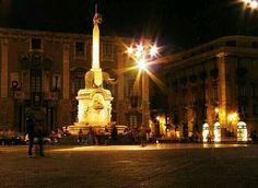 Sicilia di notte Catania