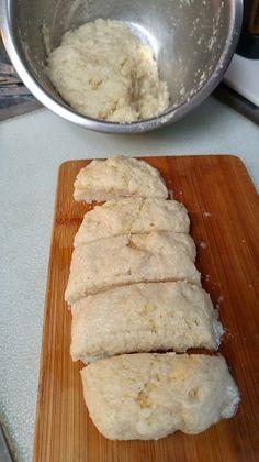 Keto Yeast Rolls (dairy free) and to make vegan Keto Foods, Ketogenic Recipes, Keto Snacks, Low Carb Recipes, Bread Recipes, Dairy Free Keto Recipes, Ketogenic Diet, 90 Second Keto Bread, Best Keto Bread