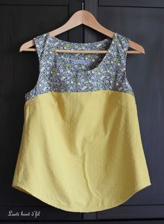 Tops for women – Lady Dress Designs Kurta Designs Women, Blouse Designs, Stitching Dresses, Kurti Designs Party Wear, Indian Designer Outfits, Dresses Kids Girl, Casual Tops, Fashion Outfits, Clothes For Women