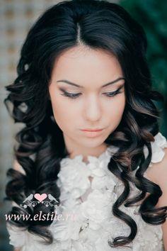 Wedding Hairstyles ~ Sleek loose curls & neutral make-up