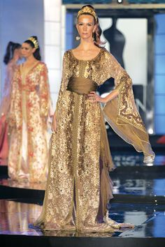 Amazing Moroccan couture caftans, so feminine, so chic, so elegant, so sexy and beautiful.