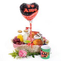 Desayuno sorpresa romántico, para sorprender y enamorar. #desayunossorpresa #regalossorpresa #regaloparamujer #breafastinabasket Ideas Desayunos, Gift Ideas, Breakfast Desayunos, Mom Day, Chicken Broccoli, Wine Glass, Balloons, Sweets, Homemade