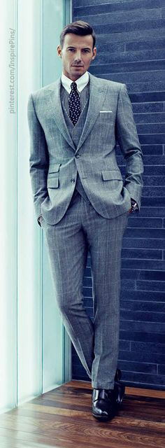 Love the 3-piece. Notice the none-pleated pants with cuffs. The cuffs let the pants hang perfectly on the shoes. Well done. #mensfashion Hugo Boss FW2013