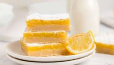 LEMON CHEESECAKE BARS - Butter with a Side of Bread Meyer Lemon Bar Recipe, Lemon Curd Recipe, Lemon Cheesecake Bars, Lemon Bars, Recipe Using Lemons, Easy Lemon Curd, Cherry Muffins, Lemon Dessert Recipes, Food To Make