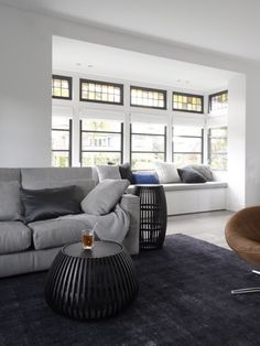 grondige verbouwing vrijstaande villa heemstede woonkamer glas in lood Happy New Home, Interior Architecture, Interior Design, Industrial House, Warm Industrial, Bean Bag Chair, Home And Family, New Homes, Villa