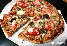 Olaszos zabpizza csirkemellel Bologna, Mozzarella, Vegetable Pizza, Vegetables, Food, Essen, Vegetable Recipes, Meals, Yemek