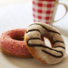 Needle felted doughnuts-kit by Lullubee