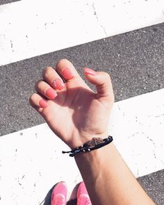 "15 Gostos, 2 Comentários - D I A N A • A R A Ú J O (@diianaaraujo) no Instagram: ""Summer colors! Almost at the end... 💅🏻✔️ #nails #nailsart #summernails #autumniscoming #instadaily…"""