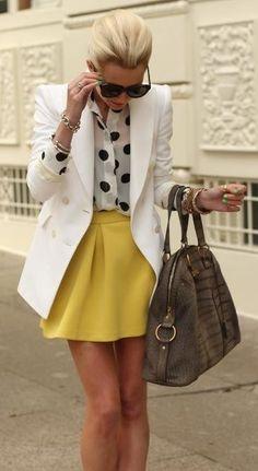 Saia mostarda+camisa poa+blazer bege