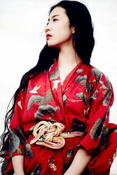 Kimono featuring auspicious motifs of cranes and pines. Japanese Kimono, Japanese Fashion, Asian Fashion, Kimono Japan, Kubo And The Two Strings, Yukata, Asian Style, Traditional Dresses, Asian Woman