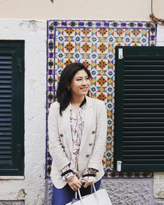 I normally don't like tiled anything but here when it's so varied and everywhere it is the most beautiful thing. I like tiles only in Portugal.  #Lisbon #lisbonstreets #lisbontown #lisboa #lovelisbon #portugal #streetstyle #ootd #style #styleoftheday #zara #japanese #japanesestyle #tiles #streetview #happy #lifestyle #luxury #fabuluxe #blogger #リズボン #ポルトガル #タイル