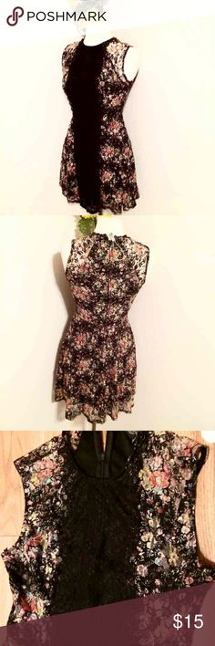 Fire Los Angeles Lace Dress Sz M Fire Los Angeles Lace Floral Skater Dress Size M This dress is stretchy and is lined Fire Los Angeles Dresses Midi