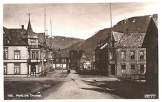 Troms fylke TROMSØ. Prima gateparti med bl a P.Eriksen butikk og andre. Utg Mittet