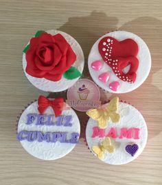 Cupcake con flores. Cupcake con corazones. Cupcake con mariposa. Cupcake con mensaje. Cupcake de amor