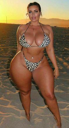 Sexy Bikini, Curvy Girl Bikini, Bikini Girls, Vrod Harley, Bikini Mode, Mädchen In Bikinis, Botas Sexy, Curvy Models, Voluptuous Women