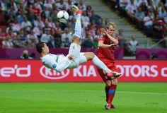 Overhead kick Cristiano Ronaldo Portugal #UEFA #EURO 2012 Linda bicicleta do Cristiano Ronaldo