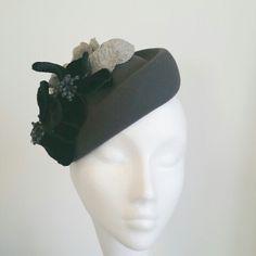 Grey winter hat with beautiful velvet flowers Fascinator, Winter Hats, Anna, Velvet, Grey, Flowers, Beauty, Beautiful, Fashion