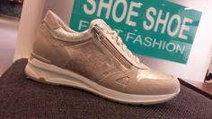 #NeroGiardini sneaker met interne wedge.  100 % leer met comfortabel voetbed.