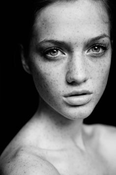 Freckled Beauty – New face Stefani (Ford Brazil) shows off her natural beauty in Josefina Bietti's (ABA MGT) recent black and white portraits. Stefani sports tousled locks and full lashes by makeup artist Eduardo Hyde. / Art direction by Godiva art Studio