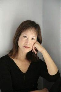 Any book by Tess Gerritsen is worth picking up and reading. Book Club Books, New Books, Good Books, Books To Read, Tess Gerritsen, Any Book, Book Authors, Bestselling Author, Book Lovers