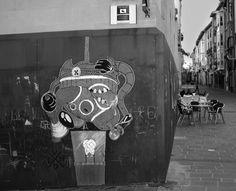 STREET STICKERS - VANDALO MOUSE #sticker #pegatina #arte #streetart #street #art #draw #dibujo #cartoon #animacion #raton #rat #ratoncitoperez #vandalo #ladron #guanteblanco #mickey #mickeymouse #graffiti #thief #disney #rap #diamonds #brand #proof #rootsone #rootsart #roots #photography #fotografia