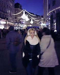 Romania, Celebrity Style, Ruffle Blouse, Celebrities, Tops, Women, Fashion, Moda, Celebs
