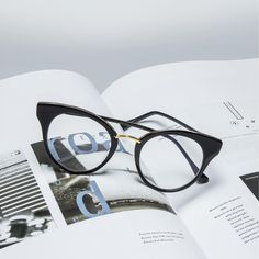 Friday reads with the Reckless. The frame features handcrafted Japanese acetate & a decorative bridge piece. #DITAeyewear