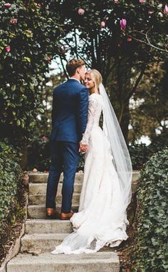 Here Comes The Bride: The Pros And Cons Of Planning A Big Wedding