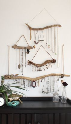 Driftwood Jewelry Organizer - Made to Order Jewelry Hangers - Pick the Driftwood - Boho Decor Storage Jewelry Holder Hanging Jewelry Display Natural driftwood turned wall mounted boho jewelry hangers. Combine a few to create a gallery wall-esque jewe Jewelry Storage Solutions, Jewellery Storage, Jewelry Organization, Jewellery Display, Jewelry Drawer, Jewelry Armoire, Organization Hacks, Diy Jewelry Necklace, Diy Jewelry Holder
