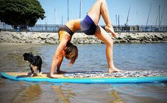 8 Unique Workouts in Los Angeles- holy crap- that is insane. Paddle Board Yoga, Sup Yoga, Cool Yoga Poses, Fun Workouts, Summer Workouts, Paddle Boarding, Weight Loss Plans, Get In Shape, Stay Fit