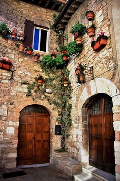 Ancient Entryway, Assisi, Italy photo via cindy, Perugia province, Umbria region Italy .