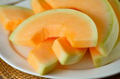 """10 Satisfying Snacks that Won't Destroy Your Diet  CANTALOUPE AND SUNFLOWER SEEDS Bartell suggests pairing 1/2 of a small cantaloupe with 1/2 cup shelled sunflower seeds. """"Melon is a great choice because it's sweet and packed with water, which means fewer calories for more volume and hydration,"""" she said """"Cantaloupe is also a great source of beta-carotene, and sunflower seeds are packed with nutrients like healthy fat and protein and they are full of magnesium. Plus, keeping the shells on…"""