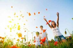 Happy People in the Poppy Field wallpaper Persona Feliz, Free Background Music, Field Wallpaper, African Life, Simple Minds, Girl Thinking, Negative People, Happy Today, Kids Events