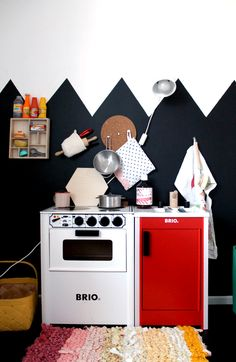 Play Kitchen // Playroom - love the unexpected colors. Also the painted design. Pretend Kitchen, Kids Play Kitchen, Play Kitchens, Chalkboard Wall Kids, Chalkboard Ideas, Deco Kids, Kid Spaces, Kids Decor, Boy Decor